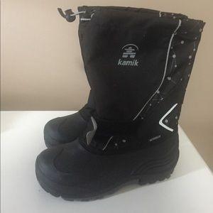Kamik water bug rain boots size 4 like new